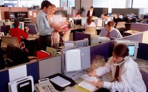 En los trabajos de oficina el sedentarismo es un factor de riesgo ocupacional importante